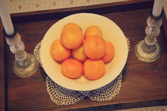 bowl of oranges